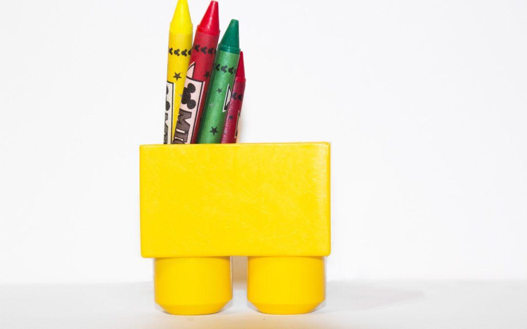 Eloge du bébé dessinateur, et du médecin prescripteur de crayons de couleur