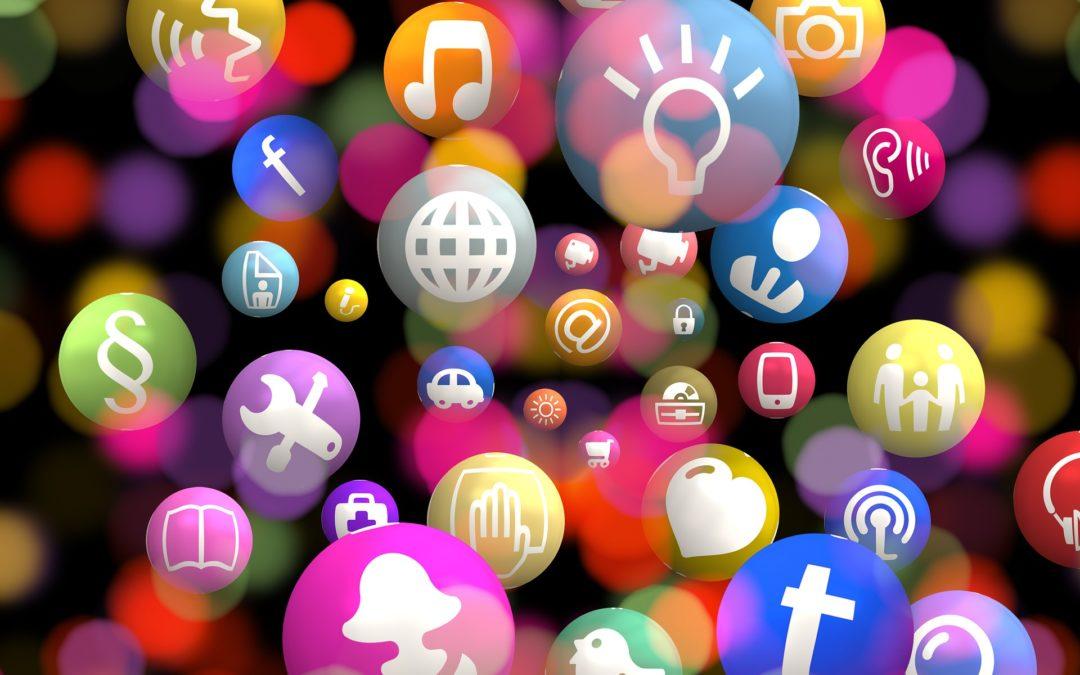 Des médias sociaux et des associations pour lutter contre le cyberharcèlement?